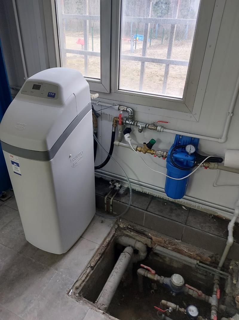 Zmiękczacz wody ECOWATER Comfort 500 dla budynku przesiębiorstwa - montaż w Krzeszowicach